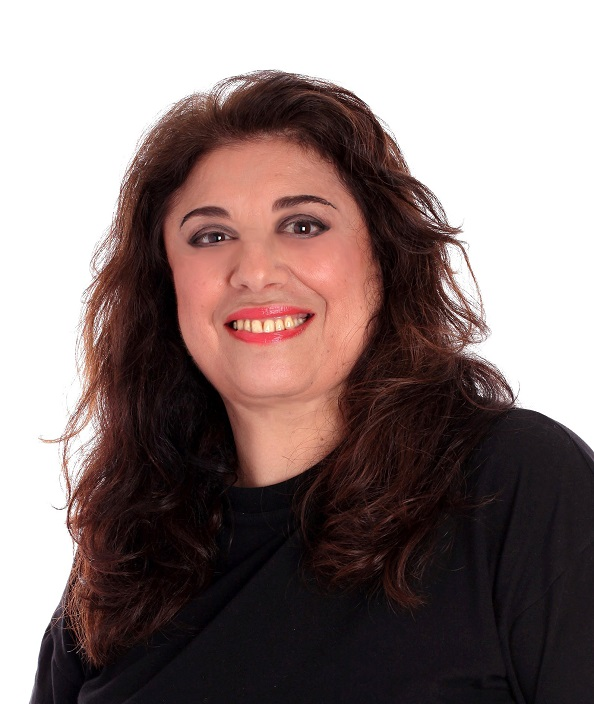 Adélia Issa – Soprano